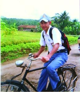 """"""" Sepeda Butut mengantar ke sekolah """""""
